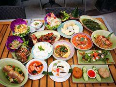 62054 restaurant naam thai