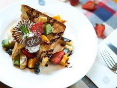 67049 restaurant lounge glo london